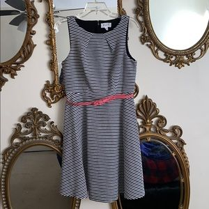 Navy blue white stripped dress sz S mod euc